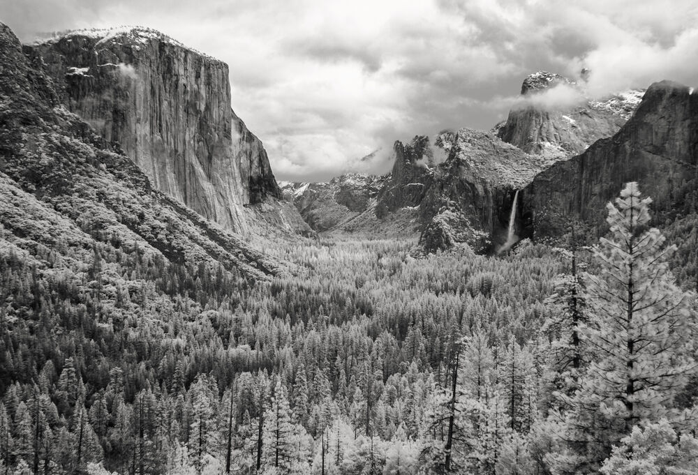 Tunnel View BW